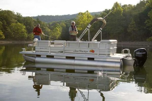 Sun Tracker PARTY BARGE 200 Classic Series 2009 Sun Tracker Boats for Sale
