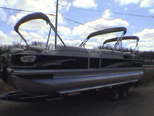 PORT FISHER Princecraft PONTOON Vantage 24 SF 2010 24' Pontoon Boats for Sale