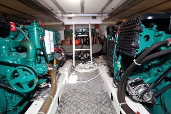 2010 beneteau swift trawler 42  31 2010 Beneteau Swift Trawler 42