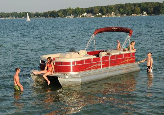 BERKSHIRE 220 CL LTD 2010 All Boats