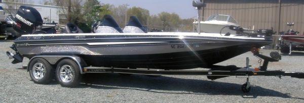 Champion 210 DCX 2010 All Boats