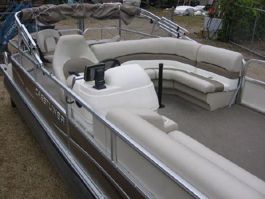 2010 crestliner 2185 angler pontoon  3 2010 Crestliner 2185 Angler Pontoon