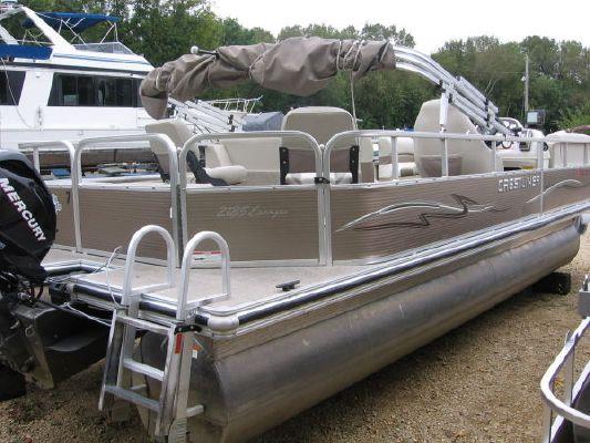 2010 crestliner 2185 angler pontoon  7 2010 Crestliner 2185 Angler Pontoon