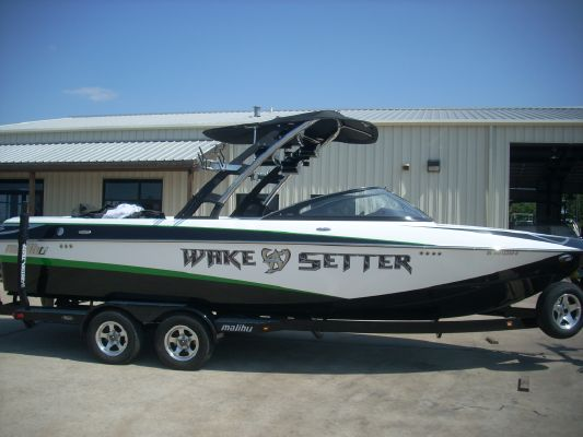 Malibu 247 Wakesetter 2010 Malibu Boats for Sale