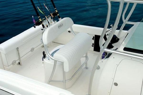 Robalo R220 Center Console 2010 Robalo Boats for Sale