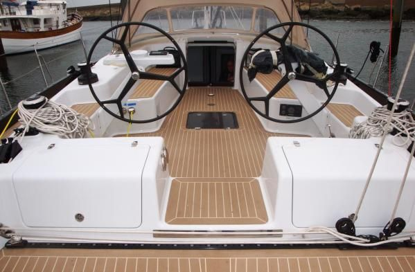 Simonis Voogd Guardian 60 2010 All Boats