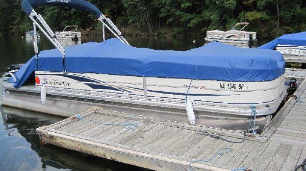 Sun Tracker Party Barge 21 2010 Sun Tracker Boats for Sale