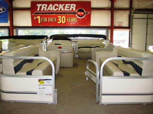 Sun Tracker Party Barge 24 2010 Sun Tracker Boats for Sale