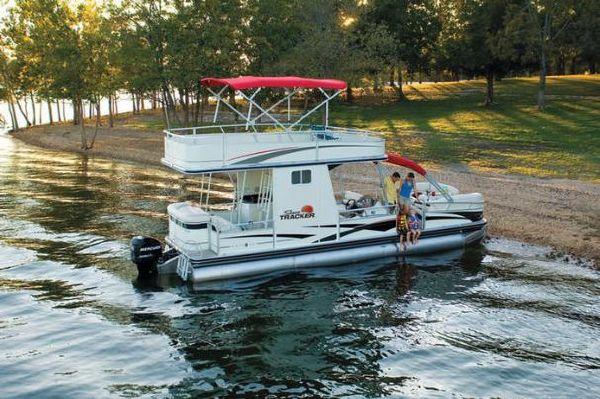 2010 Sun Tracker Party Hut 30 Regency Edition Boats
