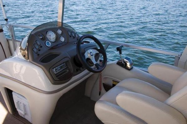 Sun Tracker Party Hut 30 Boats for Sale **2020 Sun Tracker Boats for Sale