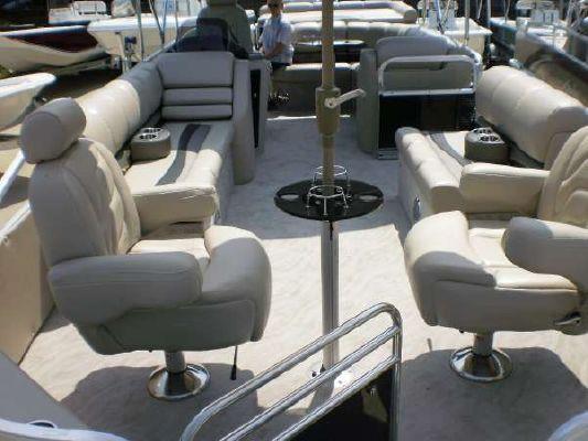 Avalon 24 ft. Paradise 2011 All Boats