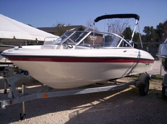 2011 bayliner 180 bowrider 4 stroke outboard trailer for Bowrider boats with outboard motors