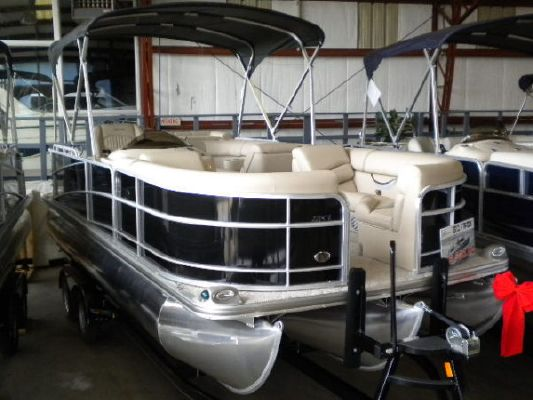 BERKSHIRE 220 CL P TRI 2011 All Boats