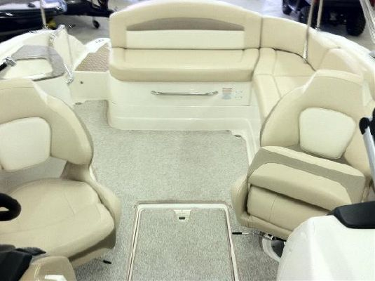 Chaparral 224 SUNESTA WIDE TECH SPORTDECK 2011 Chaparral Boats for Sale