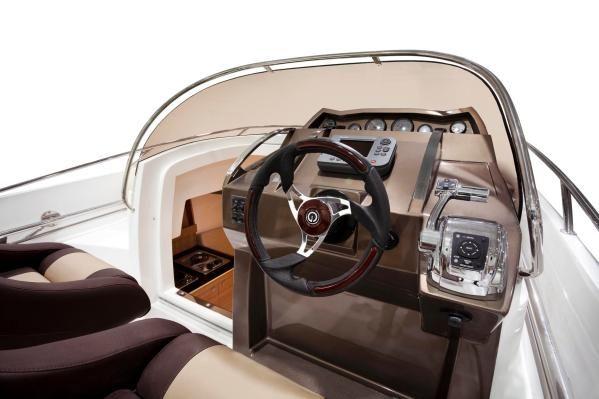 Galia 700 Sundeck 2011 All Boats
