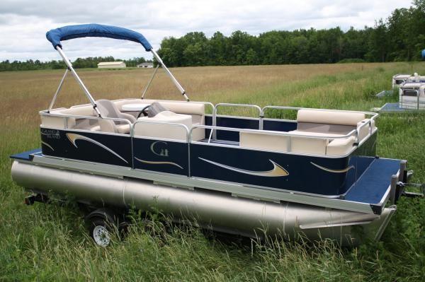 GRAND ISLAND PONTOON BOATS 2OFT GRAND ISLAND CRUISE 2011 Pontoon Boats for Sale