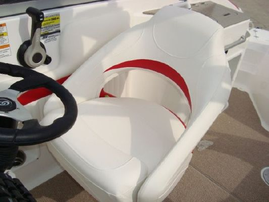 Hurricane SD2400 2011 All Boats