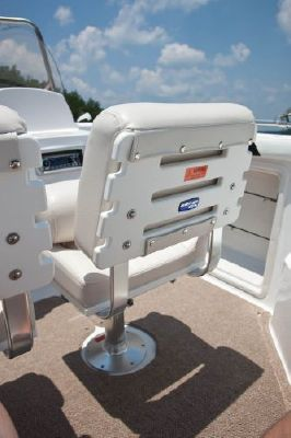 Hurricane SunDeck Sport 211 OB 2011 All Boats