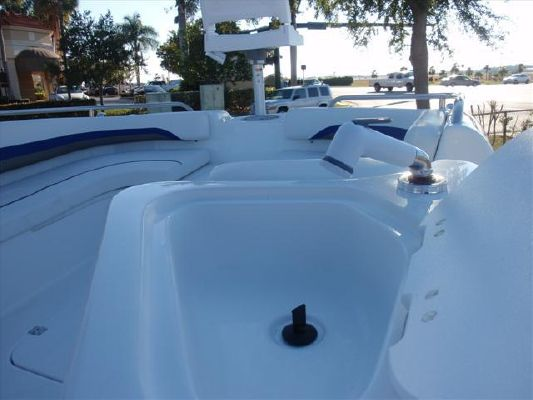 Hurricane SUNDECK SPORT 231SS OB 2011 All Boats