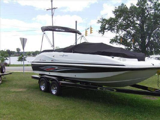 Hurricane SUNDECK SPORT SS 202 IO 2011 All Boats
