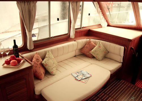 Island Gypsy 38 Gourmet Cruiser Flybridge 2011 Flybridge Boats for Sale