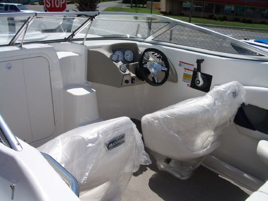 Larson 216SC 2011 All Boats