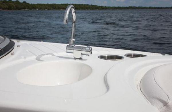 Larson Escape 234 2011 All Boats