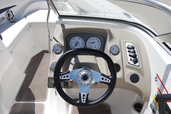 Larson Senza 226 I/O 2011 All Boats