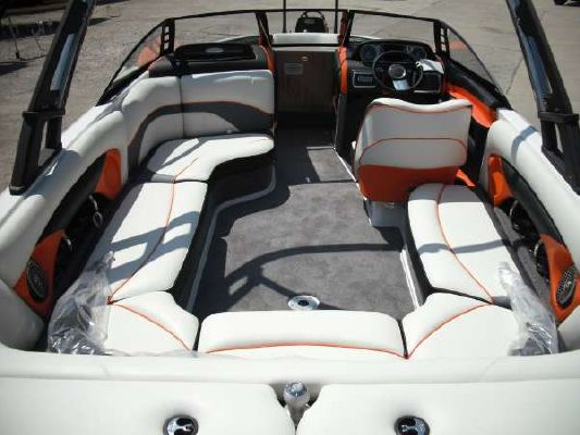 Malibu 23 LSV WAKESETTER 2011 Malibu Boats for Sale