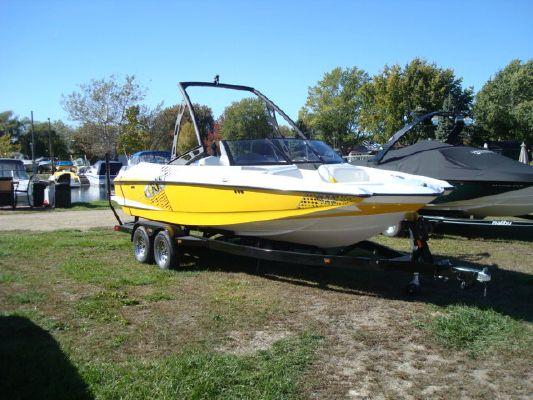 Malibu AXIS A22 2011 Malibu Boats for Sale