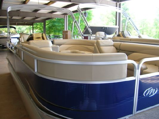 Boats for Sale & Yachts Manitou 22 AURORA ANGLER FULL FRONT 2011 Angler Boats