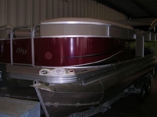 Manitou AURARA 22 VP TRIPLETOON 2011 All Boats