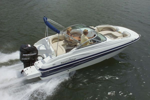 NAUTIC STAR 210 DC O/B/YAMAHA 4 STROKE/ALUM TILT TRAILER 2011 All Boats