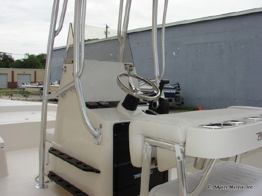 Pathfinder 2200 TRS 2011 All Boats