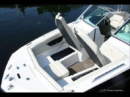 Regal 2220 RX FasDeck 2011 Regal Boats for Sale
