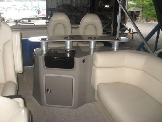 Sanpan 2500 Wet Bar 2011 All Boats