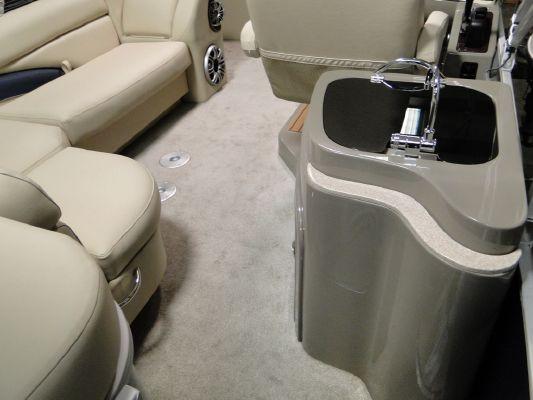 Sanpan 2500BC 4 2011 All Boats