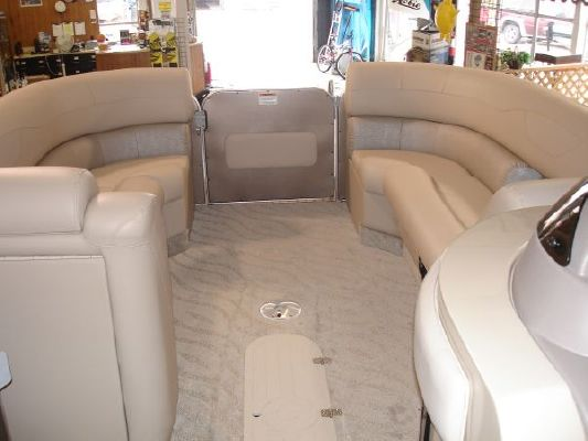 Starcraft Majestic 256 Starlounger 2011 All Boats