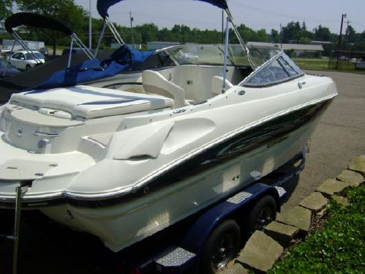 Stingray 215 LR 2011 All Boats