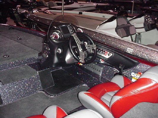 Stratos 294XLE 2011 All Boats