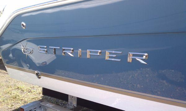 Striper 2101 Dual Console OB 2011 Seaswirl Striper for Sale
