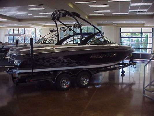 2011 Supra SUNSPORT 22V - Boats Yachts for sale