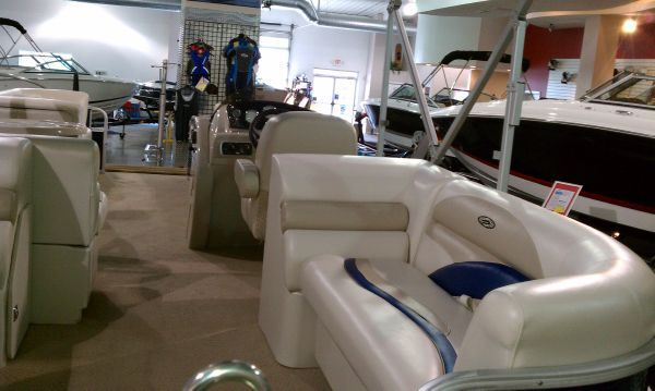 Sweetwater 220 SL 2011 Sweetwater Pontoon Boat