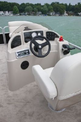 Sweetwater 2286 FC 3 2011 Sweetwater Pontoon Boat