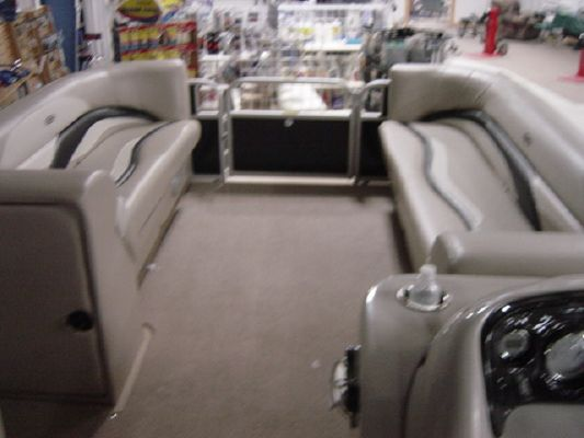 Sweetwater SWEETWATER PREMIUM SW 200 2011 Sweetwater Pontoon Boat