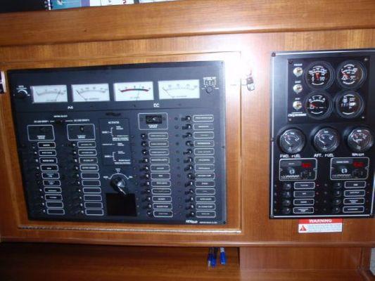 2011 tayana center cockpit  29 2011 Tayana Center Cockpit