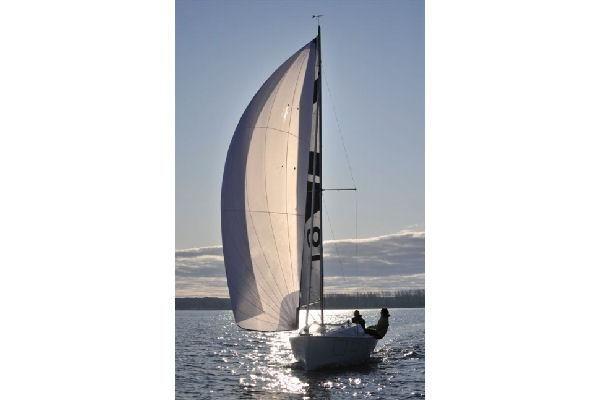 Varianta 18 2011 All Boats