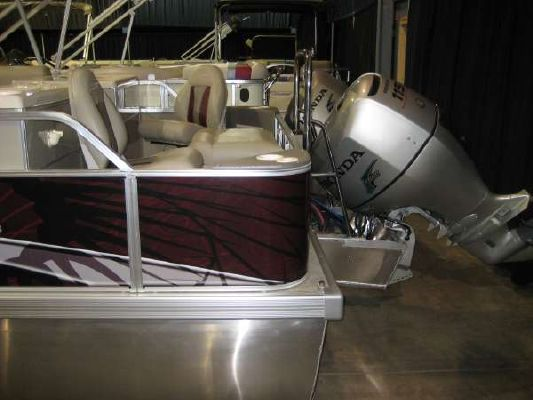 VOYAGER MARINE Super 22 CC 2011 All Boats