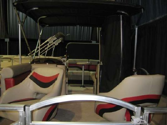 VOYAGER MARINE Triple Crown 22' 2011 Crownline Boats for Sale