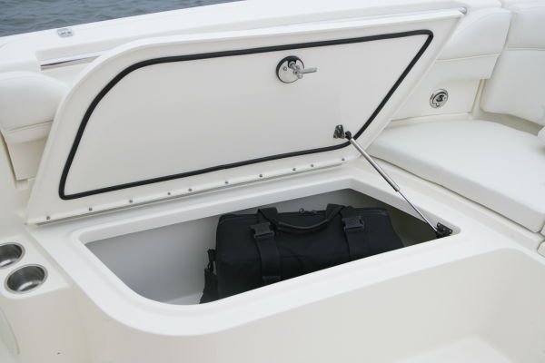 World Cat 290 CC 2011 World Cat Boats for Sale